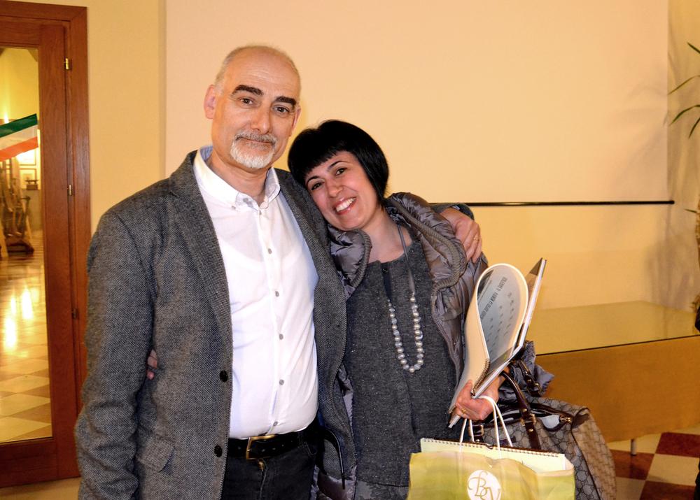 39 - con Manuela Cabboi ripresasi anche lei dalle lacrime.JPG