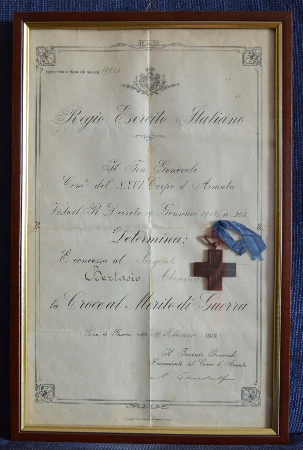 La Croce al Merito di Guerra del Serg. Bertasio