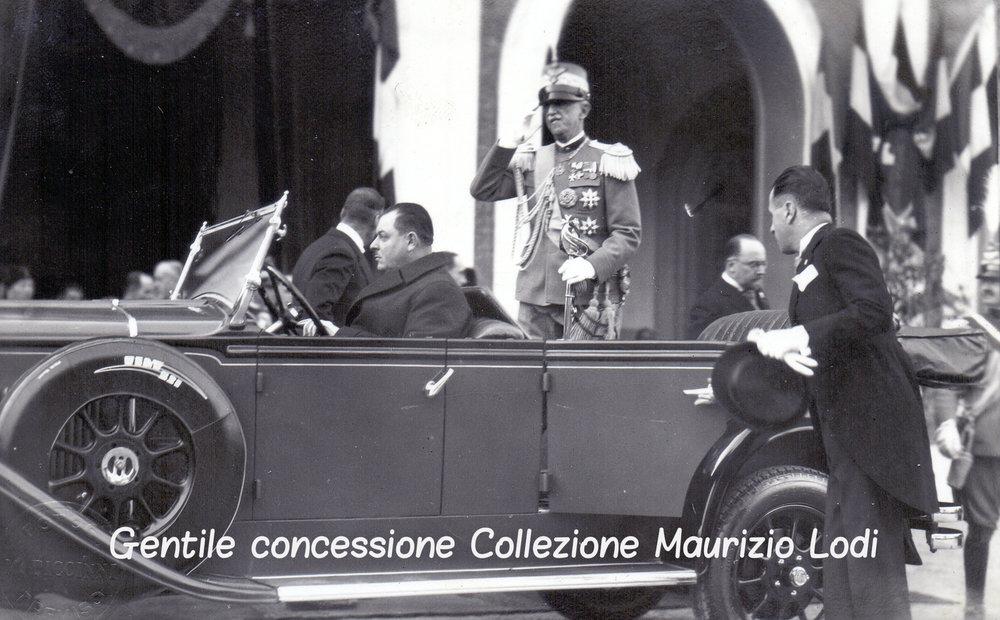 5 Modena 8 dicembre 1923 (2) - Posa della prima pietra del Tempio Monumentale ai Caduti della Grande Guerra criptata.jpg
