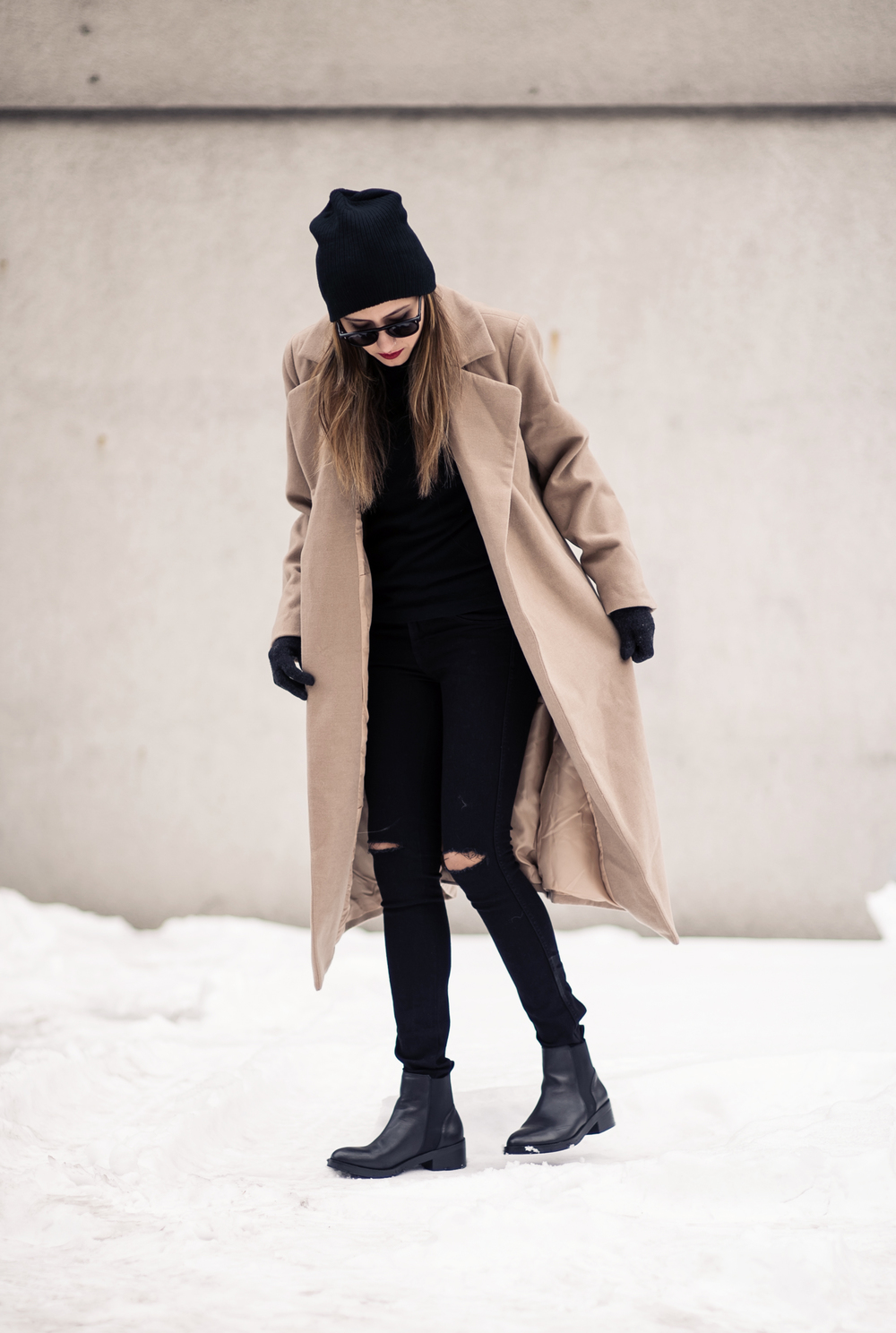 camel_coat_fashion_blogger