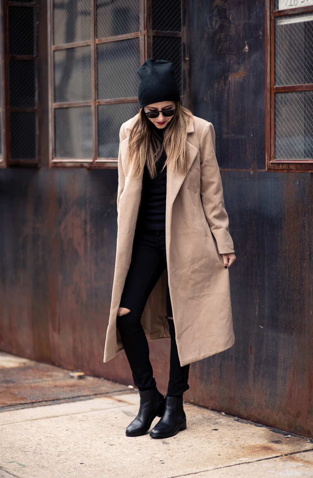 camel_coat_ripped_jeans_fashion_blog_raquel_paiva