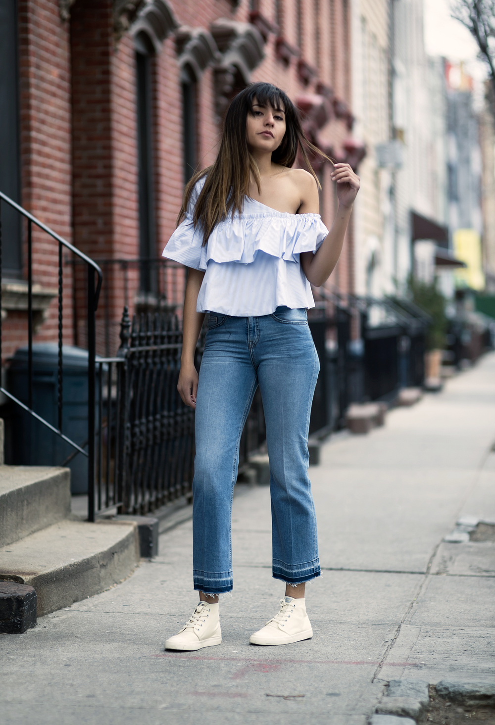 tendencia-off-the-shoulder-ruffles-blgueira-raquel-paiva