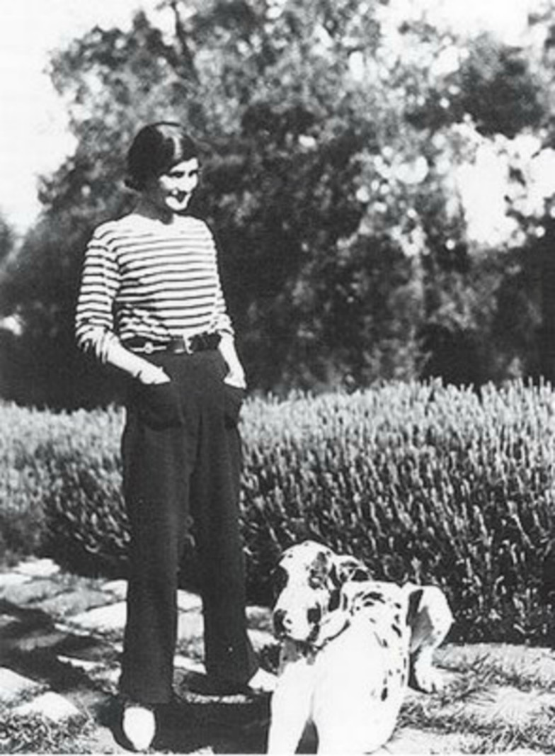 Coco-Chanel-Trousers-784x1067.jpg