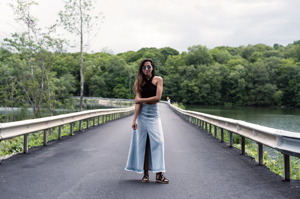 fashion-blogger-raquel-paiva-wearing-denim-skirt-with-open-front-diabeacon