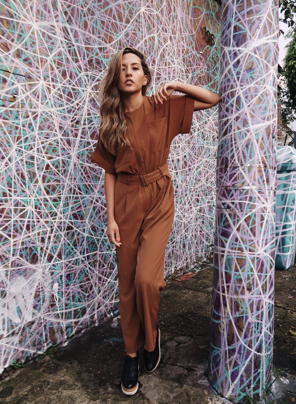 fashion-blogger-raquel-paiva-wears-jumpsuit-stylewe-beco-do-batman
