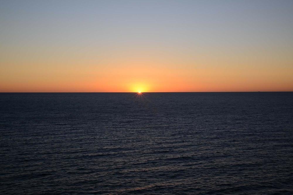 sunrise-320079_1280.jpg