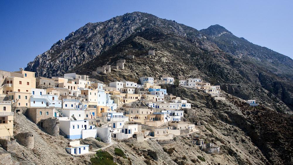 Olympos és un poble de postal situat a la costa de l'illa deKarpathos, al Dodecanès