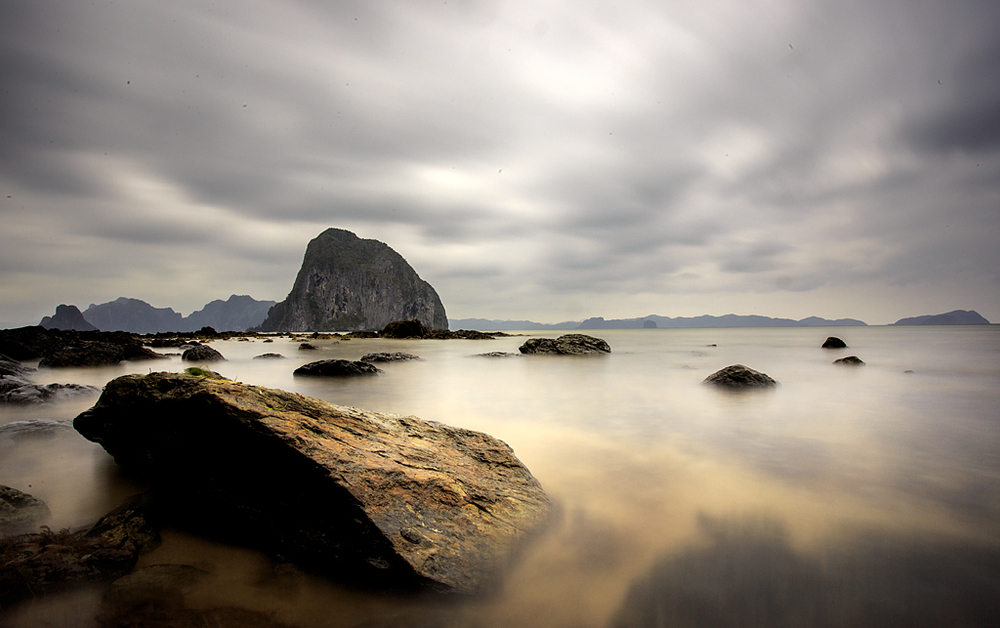 El Nido. Canon 6D - 17mm - ISO 100 - f22 - 30 seconds