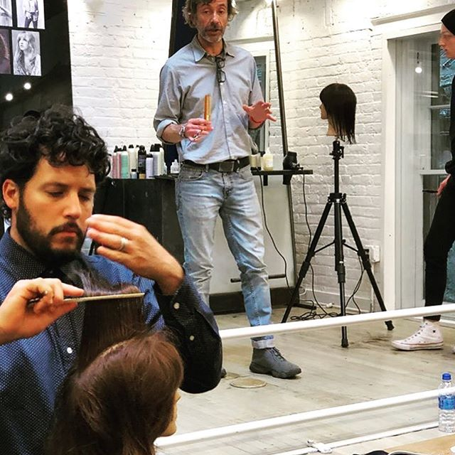 Gil absolutely killing it in a class he took in New York this past week! Thank you so much @ionstudionyc 👏 💇♀️ #knowledgeispower