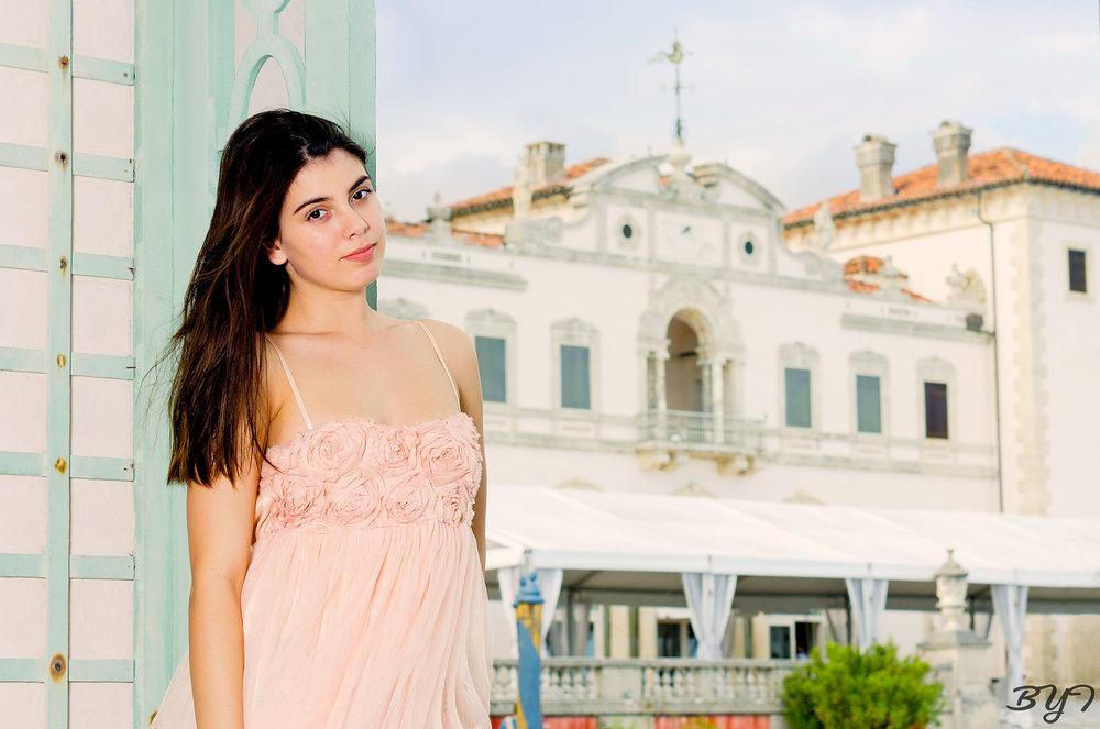 Model: Savhana Schilling Location: Vizcaya Museum and Gardens