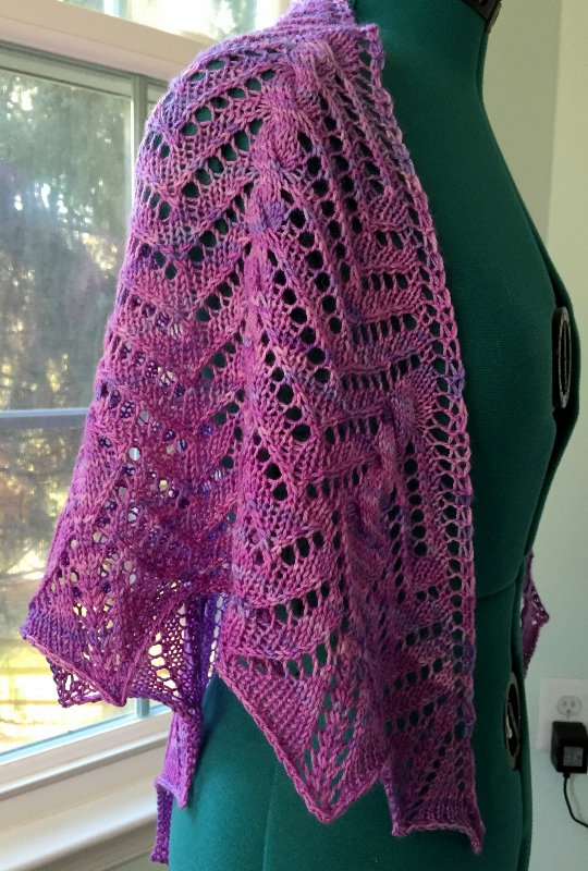 Papaya Shawlette. Pattern by Tanis Lavallee.