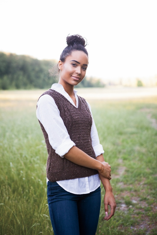 Vaughan Lit Vest knitting pattern by Kristen Jancuk, MediaPeruana Designs