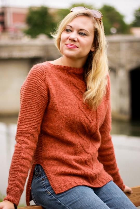 Sparia pullover knitting pattern by Kristen Jancuk, MediaPeruana Designs