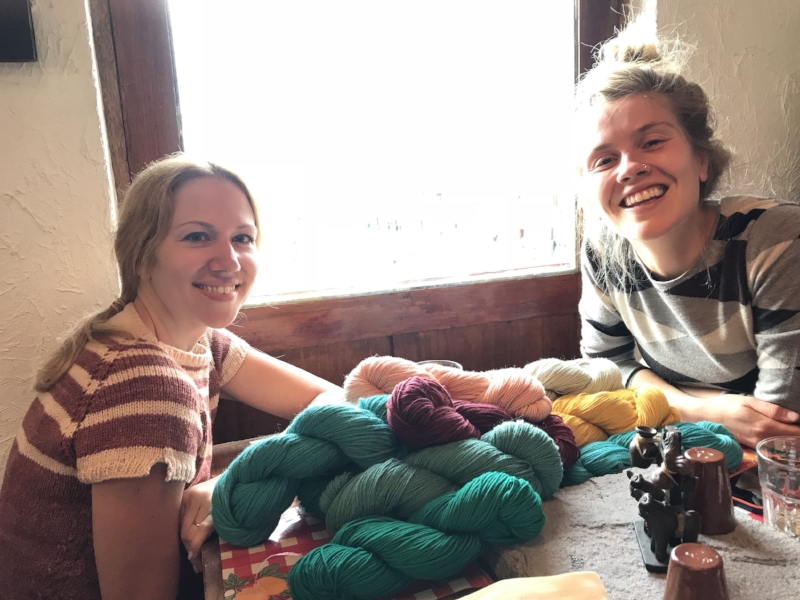 Lunching with Dana and gobs of yarn at La Feria in Cusco