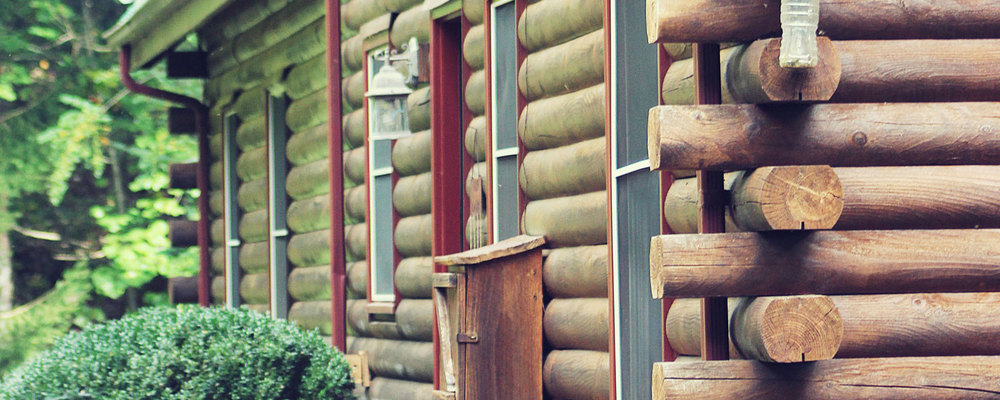 All the rustic charm of a true log cabin structure.