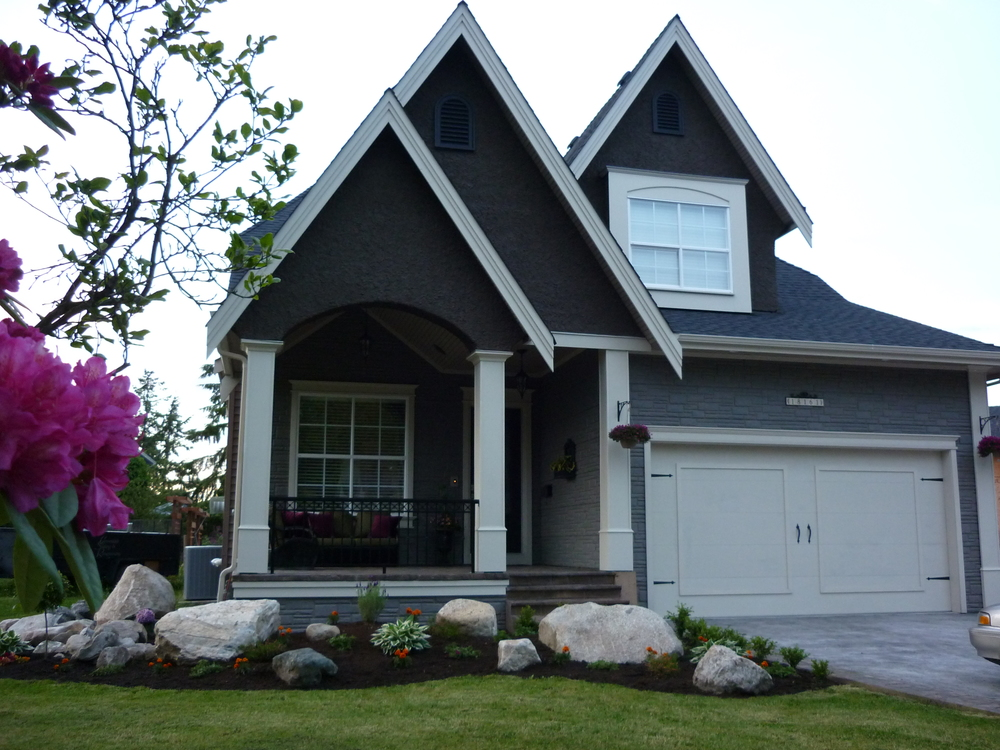 HOUSE EXTERIOR CURB APPEAL.JPG
