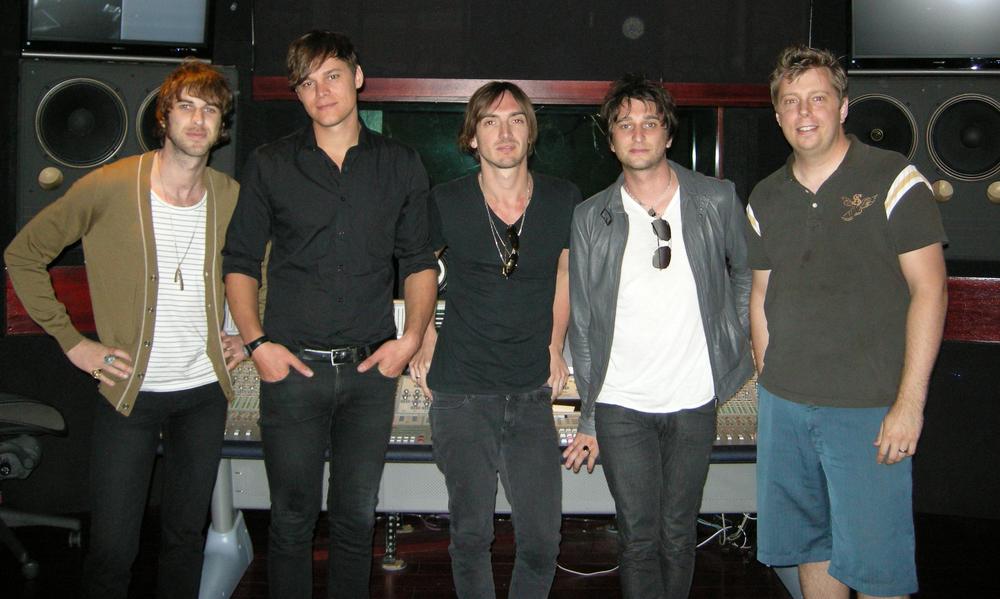 With Aussie rockers,  JET