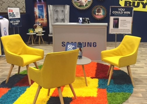 The Best Buy Experience at BlogHer 16- Experts Among Us...I love the colorful rug.