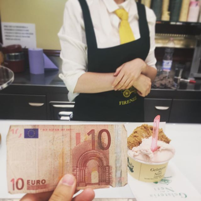 This 10€ banknote lived in the pocket of @dougierubes in #YourFlorence, waiting to be spent at #gelateriadeineri... then traveled over the years to #NYC (and beyond) to #PDX back to #NYC back to #YourFlorence... to be spent at #gelateriadeineri today. Mi manchi tanto, @dougierubes❣️