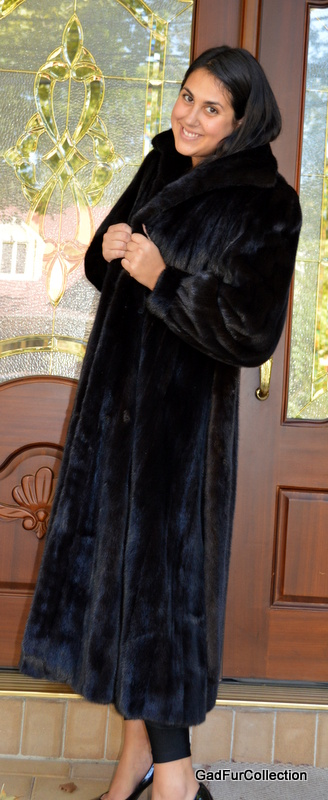 Full Length Dark Ranch Black Mink Fur Coat with Mink Belt Size 8 ...