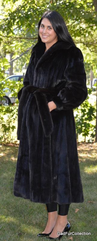 Full Length Dark Ranch Black Mink Fur Coat with Mink Belt Size 8 ...