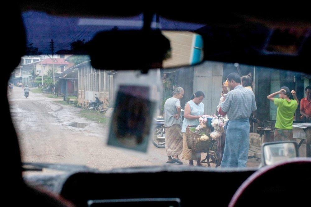 imb-photos-life-in-myanmar-64.jpg
