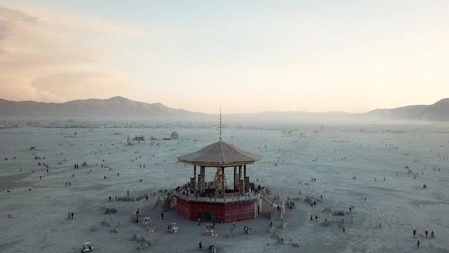 These are magical memories from Burning Man '17 that I finally compiled into a film. While I don't want to make any grand statements of how this experience changed me, I have noticed that experiences like Burning Man, have helped guide me into a shift of focus and perspective that has deeply affected my life in a beautiful way. No film or essay can truly depict what it feels like to be there, but I sure hope that these images inspire you to go at least once in your life. Thank you brother @alexkcolby collaborating and pushing me on this project. See y'all in the Playa! Full video on Bio  Music by Mazde - Forest of Gold