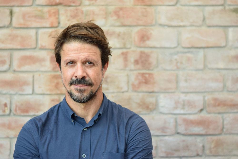 Rafael Osterling, El Mercado