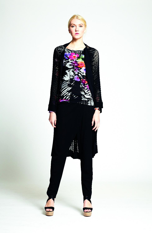 F51011 Cardigan   -   F51177 T-shirt m/l   -   F51200 Pantalone