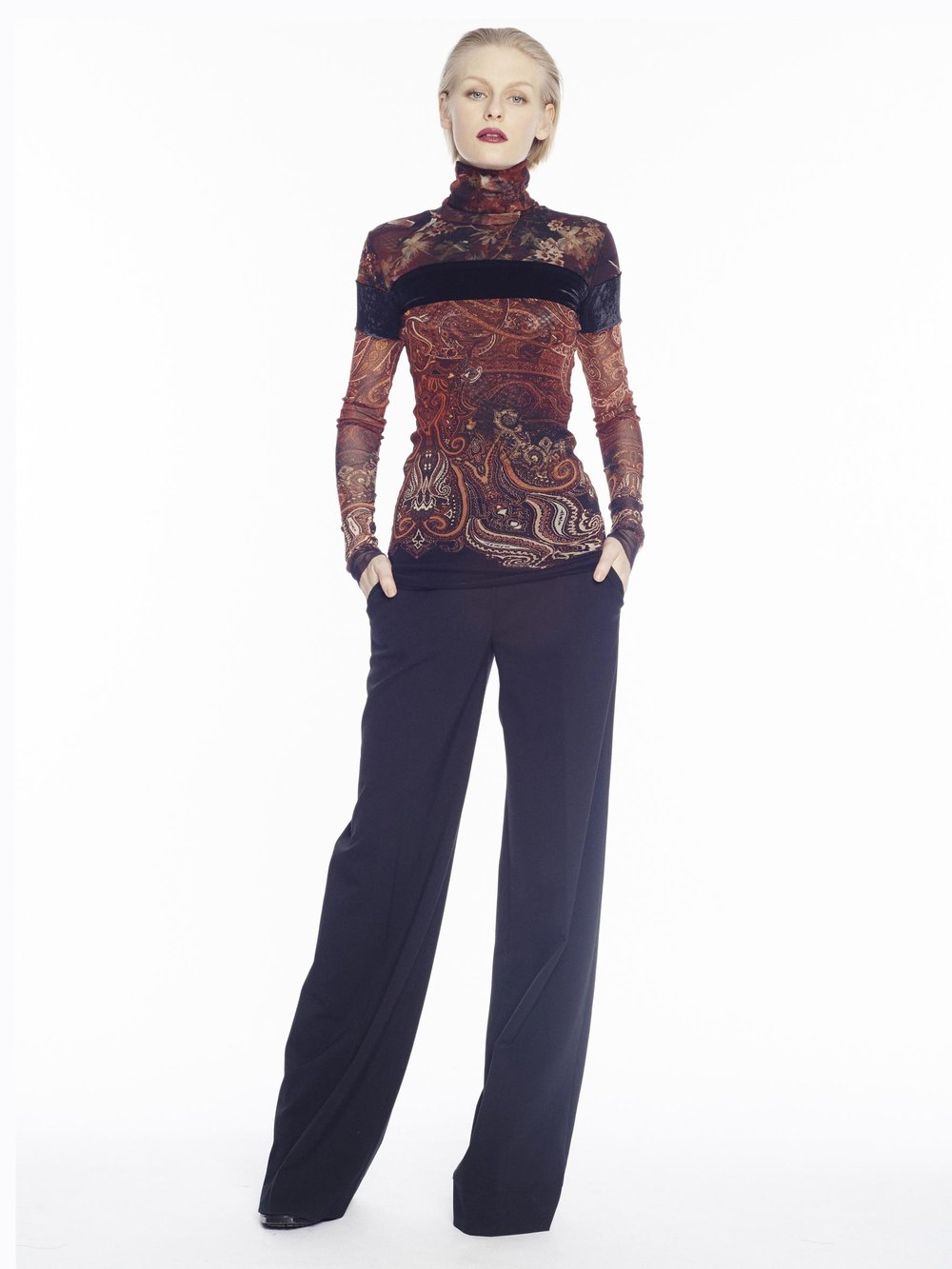 F71589 t-shirt c/alto m/l - F71939 pantalone