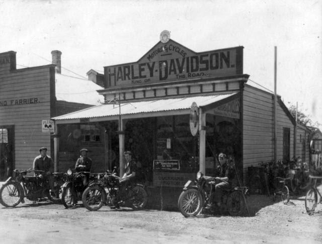 105 Main St in 1926.jpg