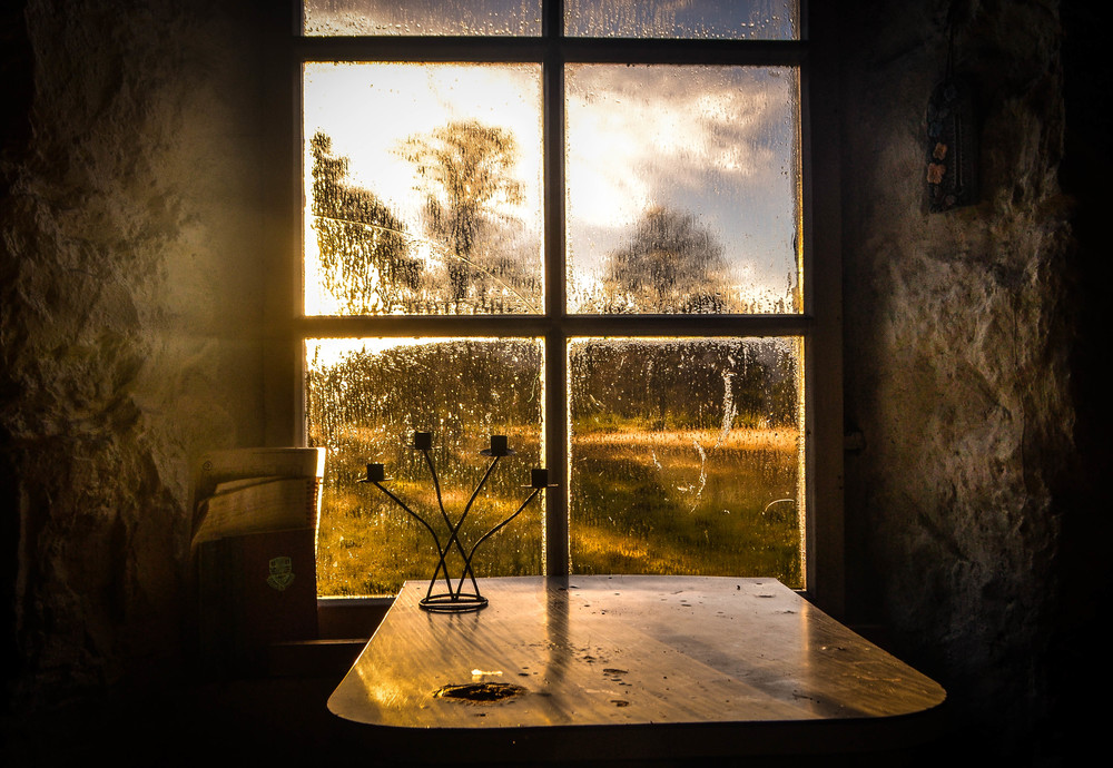 A window into winter light