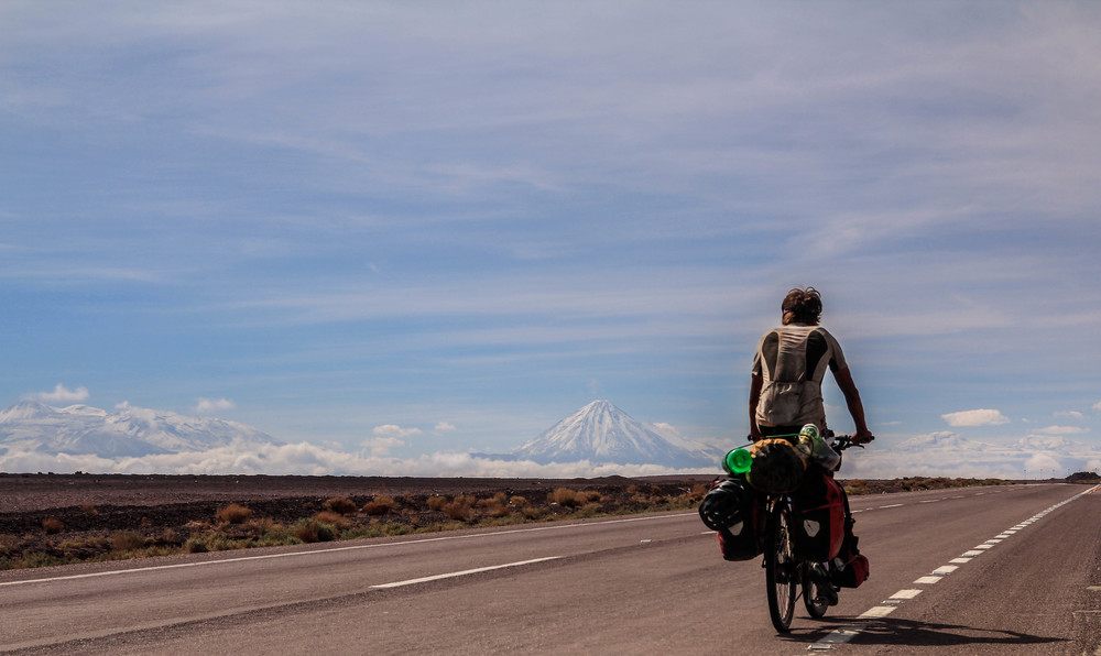 Riding towards the volcanoes of Bolivia