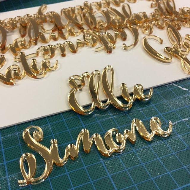 ✨💫Calligraphy names made to order. #calligraphy #weddingdecor #lasercut #lasercutting #goldweddingideas #goldmirrior #lasermarking #weddingplacenames