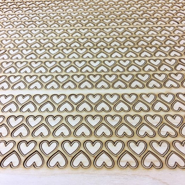 Finished last task❤️ for today! Happy Friday and even more happy weekend. . . . #lasercutwood #lasercutting #heartshaped #heartpin