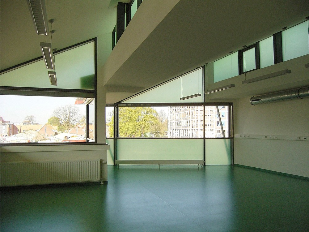 06-menko-RIMG3224-classroom.jpg