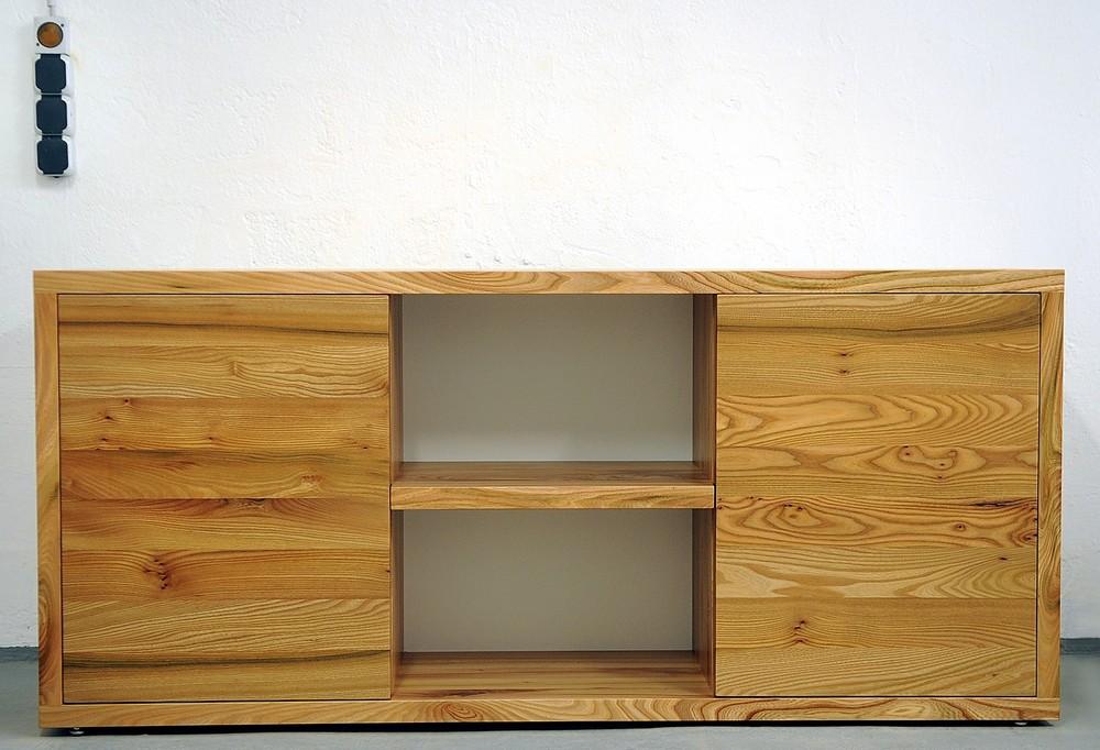 Sideboard Dean aus Rüster 180 x 40 x 80 cm 2300 Euro inklusiv 19 % Umsatzsteuer, ab Werkstatt.