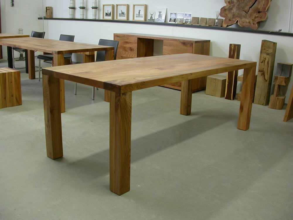 Tisch Modo 220 x 90 cm, Plattenstärke 5 cm.