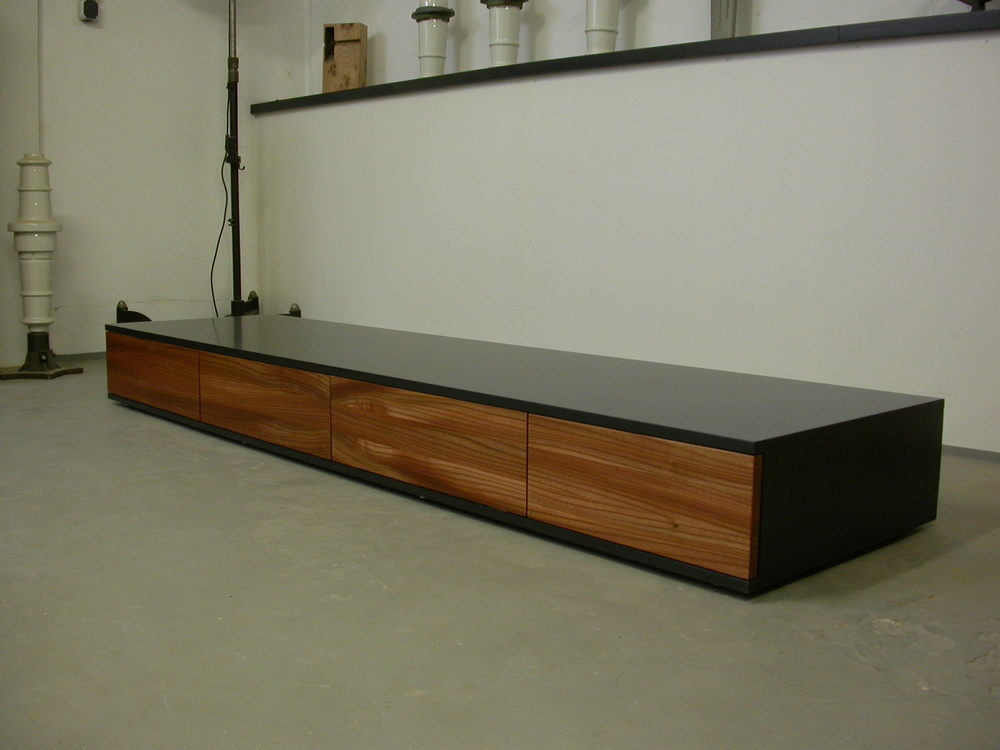 Flatboard Slimjim in unserem Showroom in Aachen-Brand.