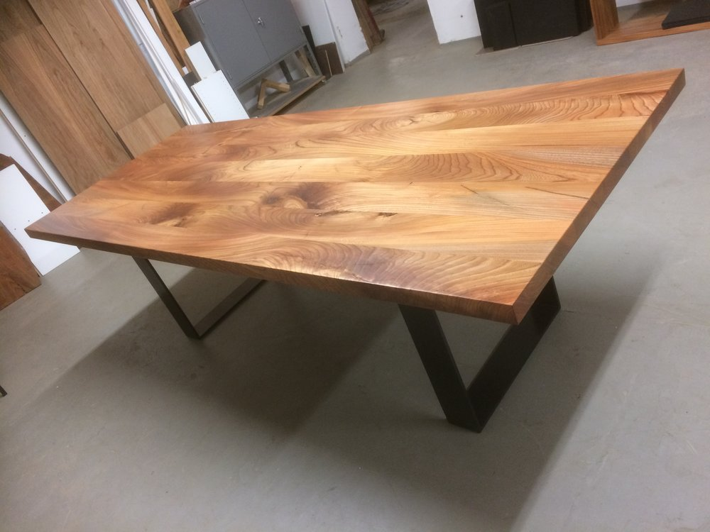 Kufentisch Oscar aus Rüster 250 x 100 cm 1900 Euro