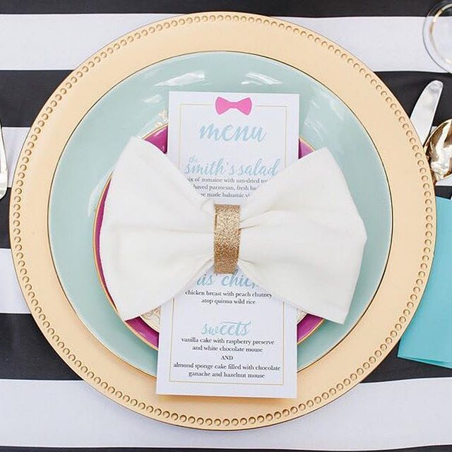 Kate Spade ♠️ + Weddings 👰🏼 = 💕  #Repost @southernbridemagazine ・・・ @katespadeny inspired anything is lovely, but we think a Kate Spade inspired wedding is perfection.  photography: @caseyhphotos | venue: Foundation For The Carolinas | design + decor: @elegant_and_classy_events_llc | stationery: @elledeedesigns | equipement rentals: @evermoreeventco