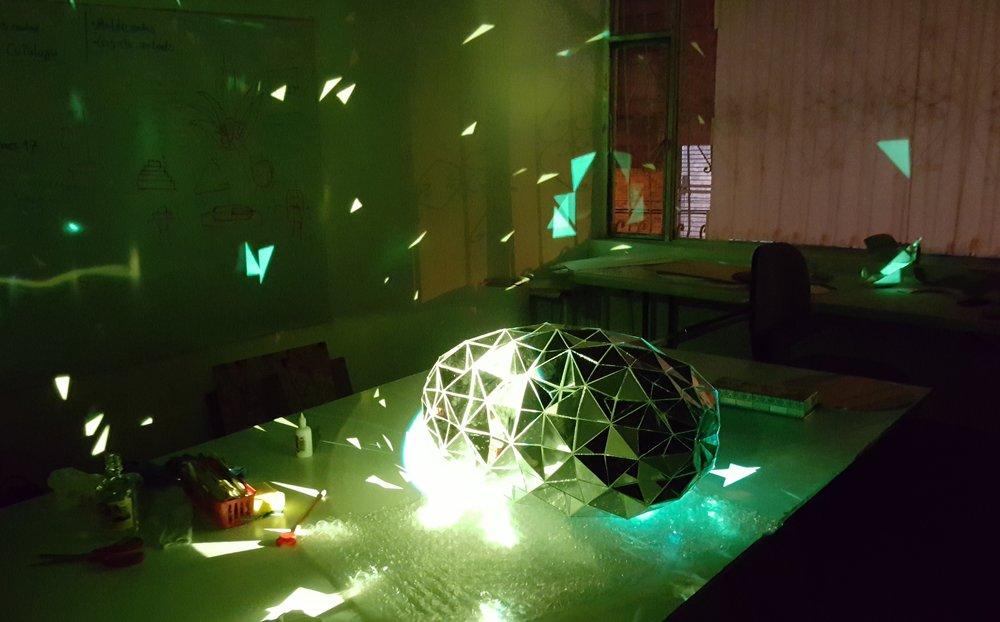 Pruebas de iluminación, Piña Disco,  Welcome to Parime