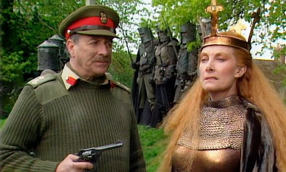 Dan and Eric throw on their favorite chainmail half shirts and have it out in the battlefield of dreams. It's our review of the classic Doctor Who story BATTLEFIELD!