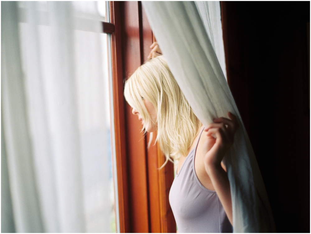 boudoir film light bedroom heritage home_0802.jpg