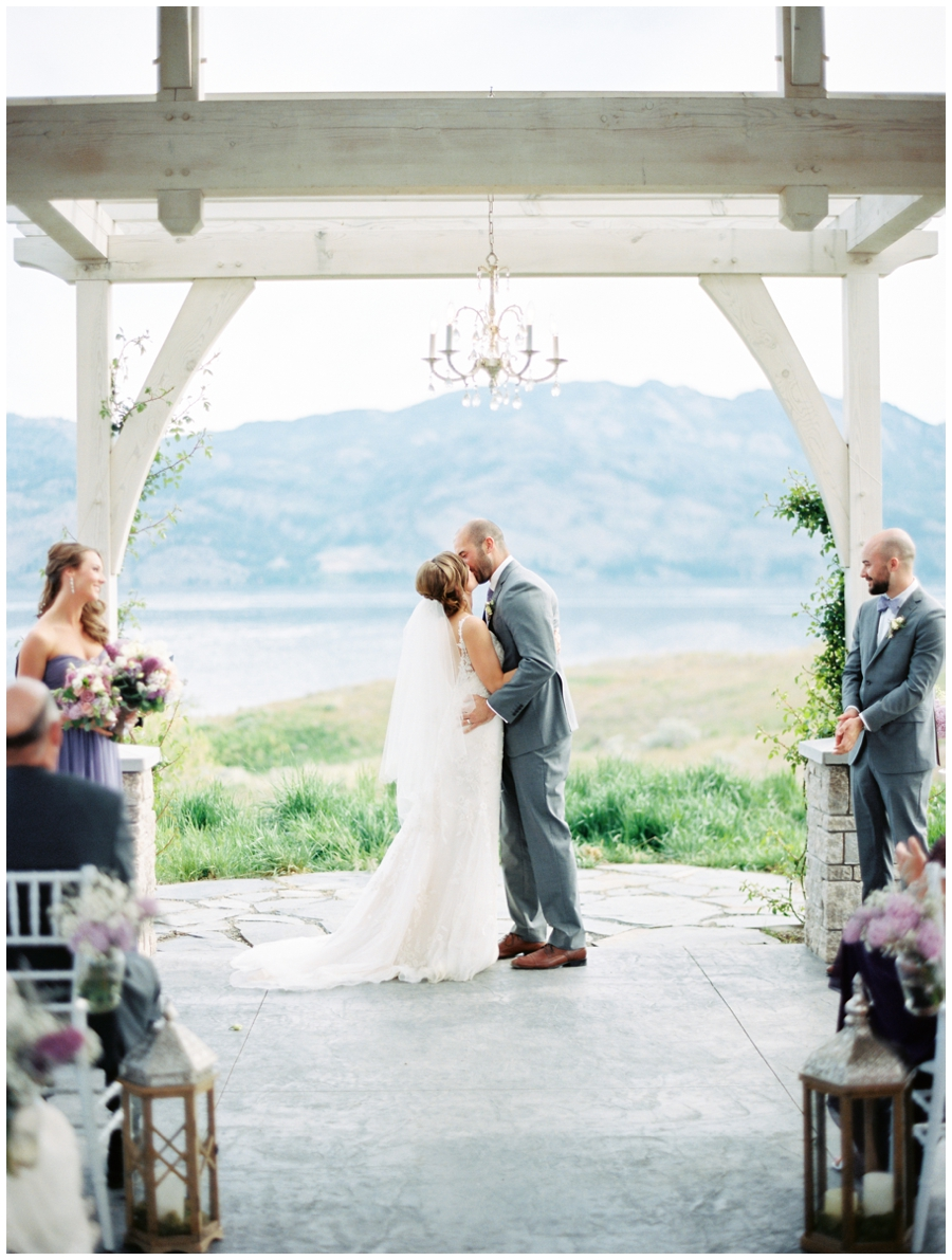 laugh kelowna wedding photographer_1550.jpg