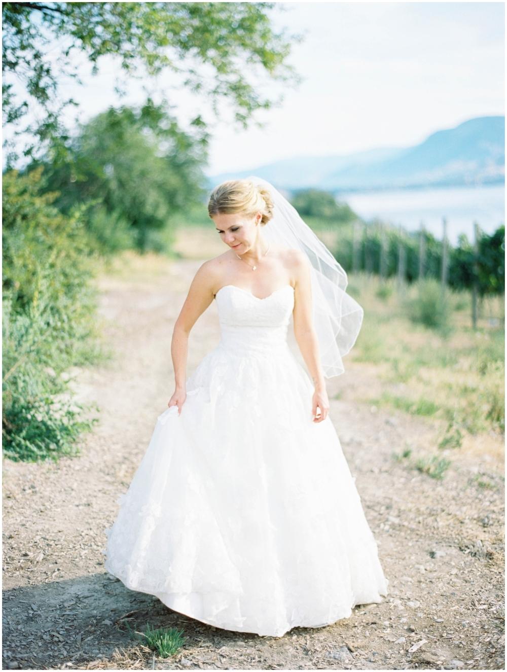 bride winery wedding kelowna_0027.jpg