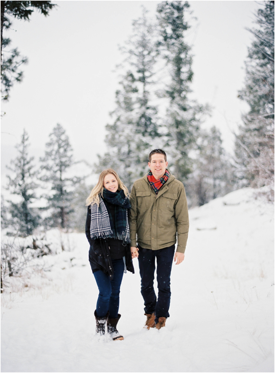 winter engagement photographer_0628.jpg