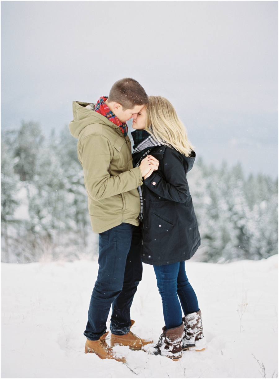winter engagement photographer_0619.jpg