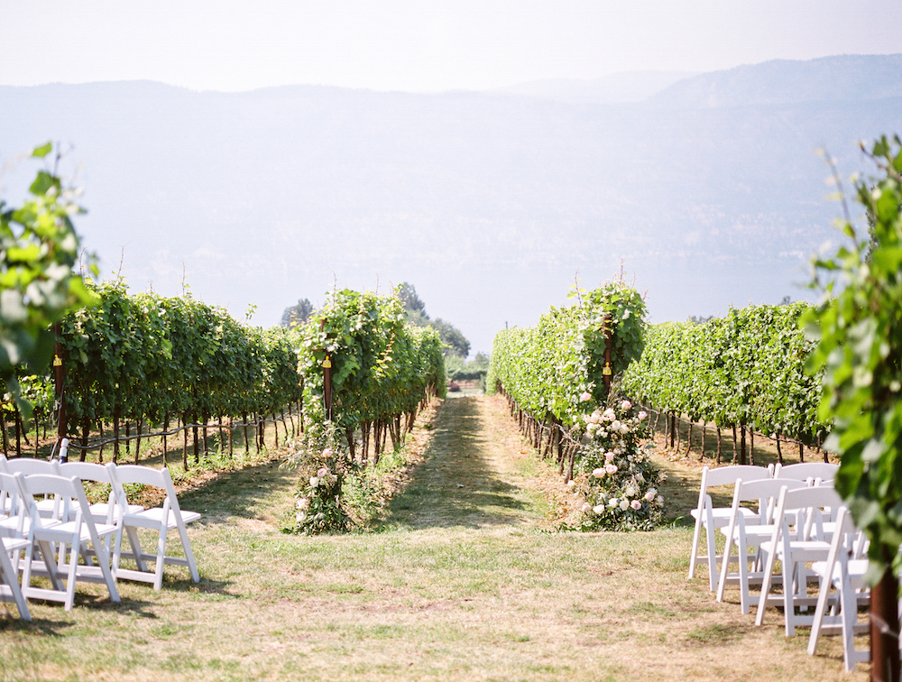 okanagan wedding photographer.jpg