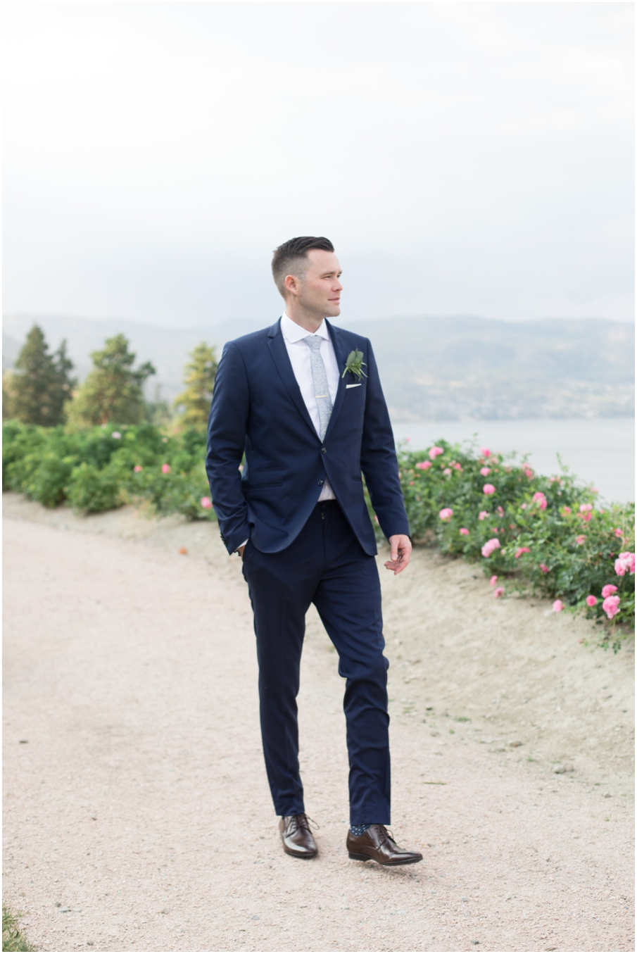 groom vancouver wedding photographer_1522.jpg